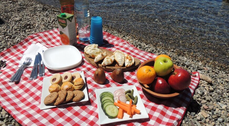 Outdoor Pic Nic Lunch